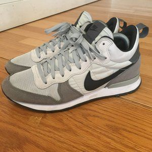 Men's Internationalist Mid Nike Sneakers Size 8